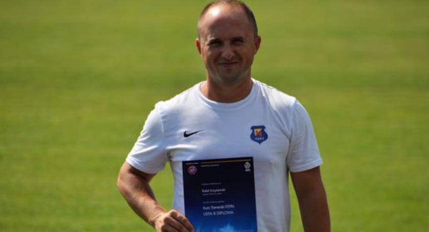 Piłka nożna, Trener Rafał Krzyżewski licencją - zdjęcie, fotografia