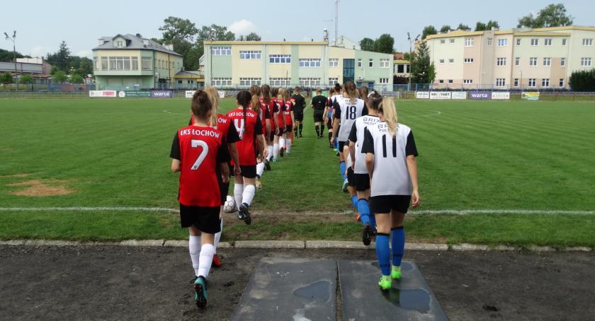 Piłka nożna, Dziewczęta Pułtusk kolejnym zwycięstwem - zdjęcie, fotografia