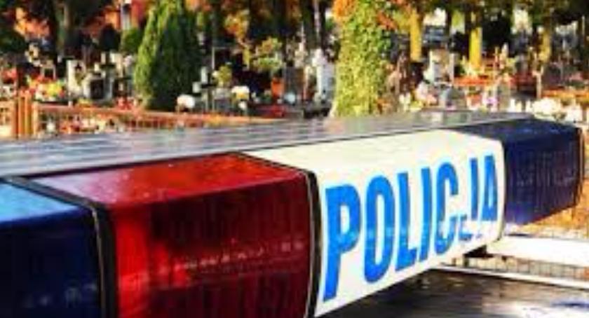 """Policja, ustrzec przed """"kieszonkowcami"""" cmentarzu - zdjęcie, fotografia"""