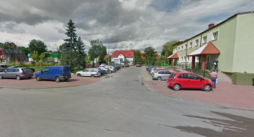 Powiat, Umowa budowę poczekalni autobusowej podpisana - zdjęcie, fotografia