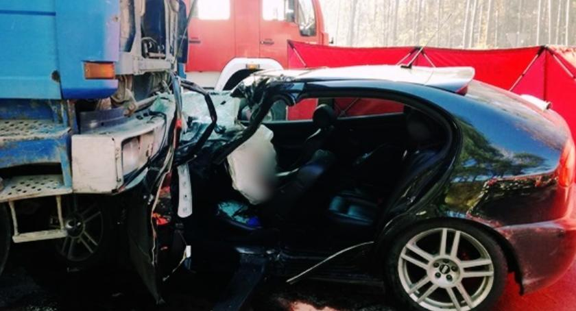 Wypadki drogowe , Tragiczny wypadek powiecie wyszkowskim zginął letni policjant - zdjęcie, fotografia
