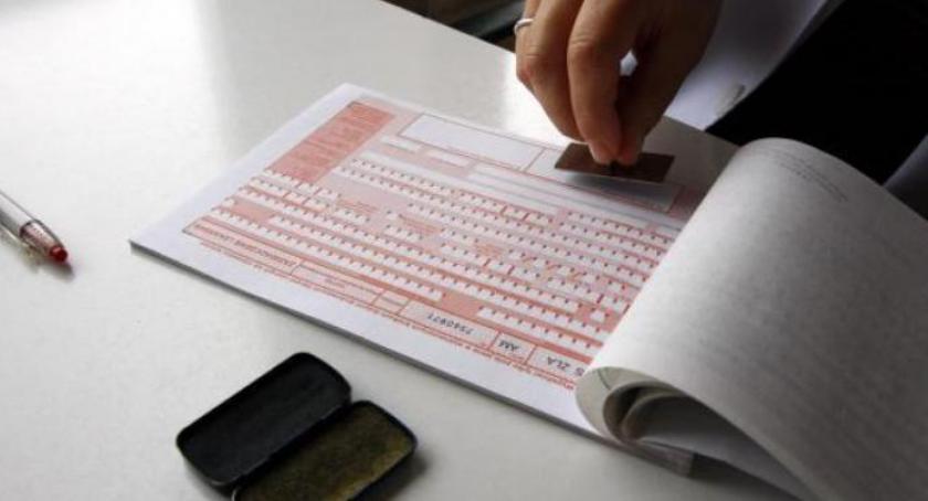 Służba zdrowia, Zwolnienia elektroniczne grudnia - zdjęcie, fotografia