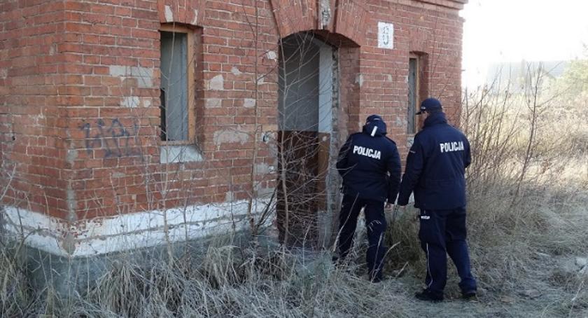 Komunikaty policji, Zwracaj uwagę osoby zagrożone wychłodzeniem organizmu - zdjęcie, fotografia
