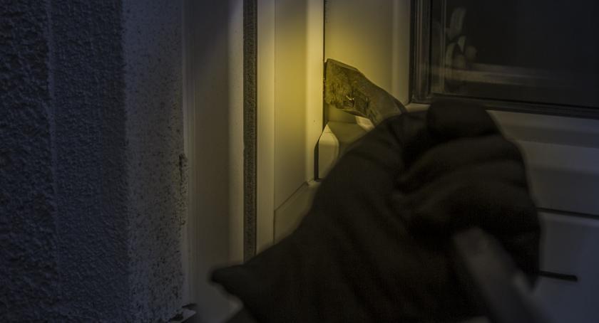 Policja, Uwaga włamywaczy! - zdjęcie, fotografia