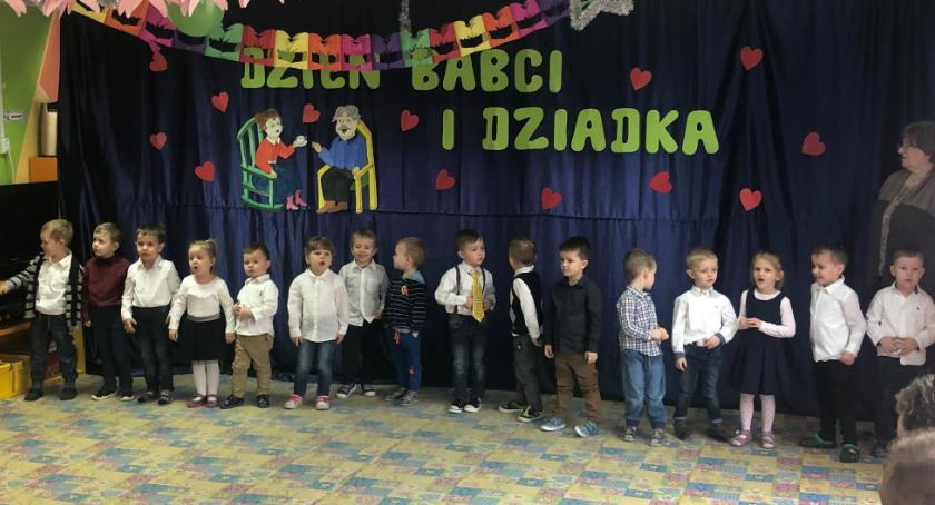Przedszkola, Dzień Babci Dziadka miejskiej Czwórce - zdjęcie, fotografia