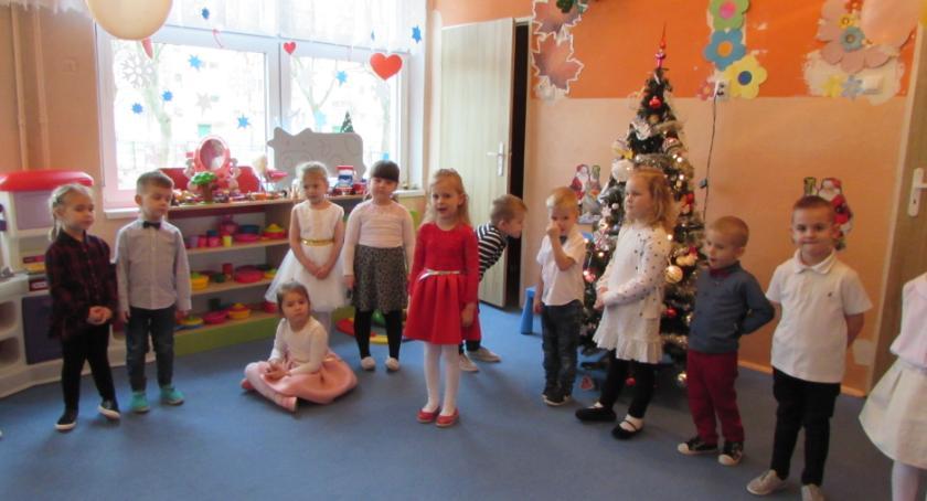 Przedszkola, Dzień Babci Dziadka miejskiej Piątce - zdjęcie, fotografia