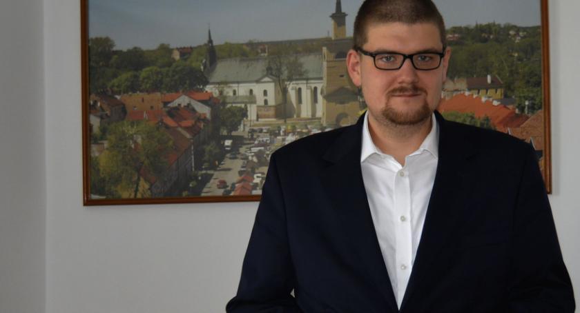 Samorząd, Podwyżek Kolejowej będzie oświadczenie Prezesa - zdjęcie, fotografia