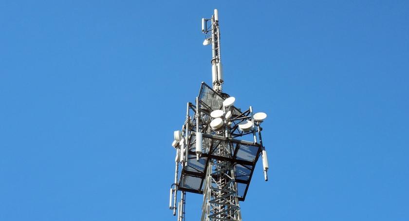 W aktualnym numerze PGP, Chcemy chronić nasze dzieci mieszkańcy kontra koncerny telefoniczne - zdjęcie, fotografia