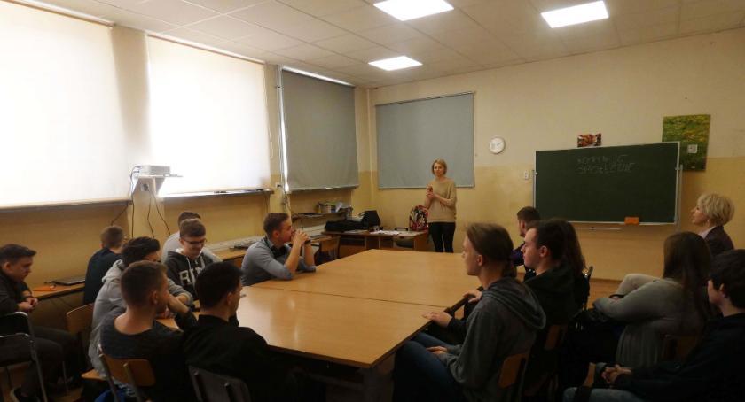Szkoły powiatowe, Odkryj swoje kompetencje zawodowe - zdjęcie, fotografia