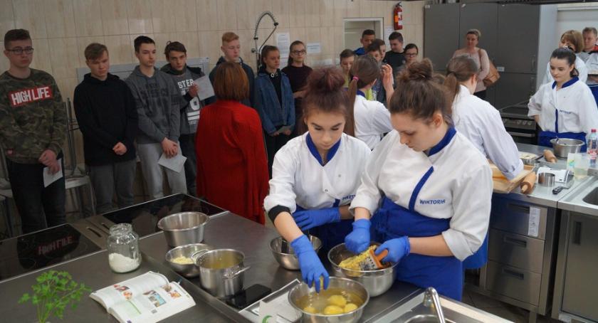 Szkoły powiatowe, Lekcje zawodoznawcze Prusie - zdjęcie, fotografia