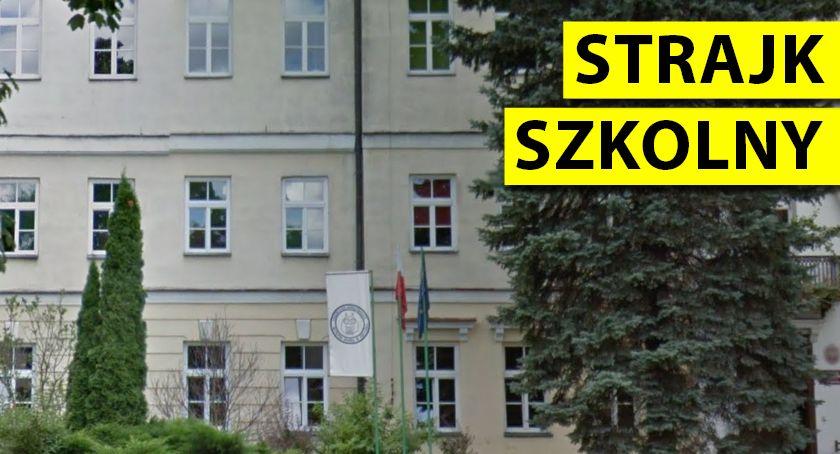 Edukacja, Strajk szkołach ponadgimnazjalnych zawieszony - zdjęcie, fotografia