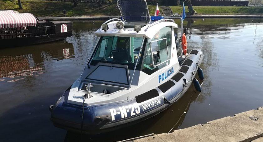 Policja, Bezpiecznie wodą - zdjęcie, fotografia