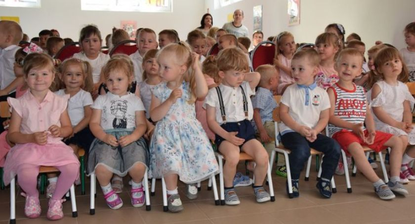Przedszkola, Przedszkolaki Winnicy mają wakacje - zdjęcie, fotografia