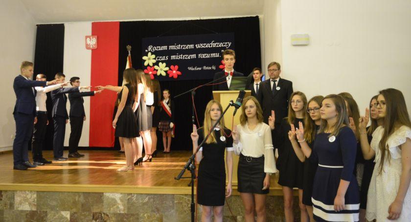 Edukacja, Pożegnanie absolwentów gimnazjalnych - zdjęcie, fotografia