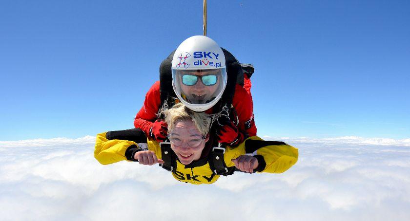 Reklama, Sezon skoki spadochronowe najlepsze Zarezerwuj teraz! - zdjęcie, fotografia