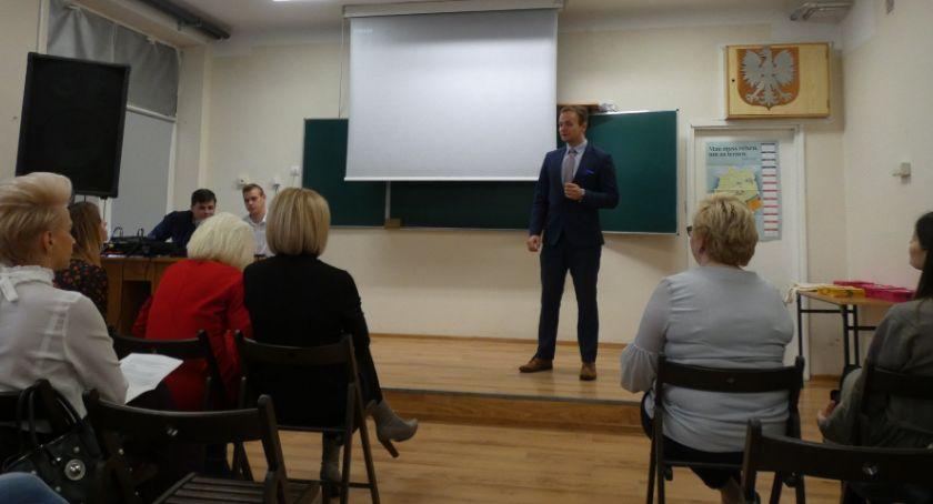 Szkoły powiatowe, Kreatywność kluczem sukcesu inauguracja projektu edukacyjnego Ruszkowskim - zdjęcie, fotografia
