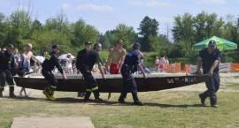 Na plaży zatonęła łódka