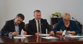 Umowa na dokończenie kompleksu sportowego podpisana