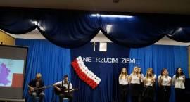 Uczniowie Prusa uczcili Święto Niepodległości