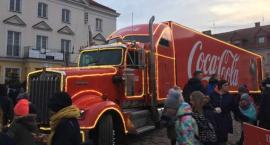 Czerwona ciężarówka Coca-Coli już na pułtuskim Rynku