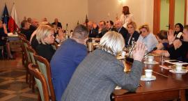 Cała rada przeciwna emisji obligacji w głosowaniu imiennym