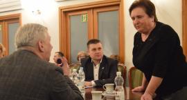 Sołtys sołectwa Grabówiec zbiera podpisy w obronie burmistrza