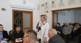 Dyrektorzy o przekształceniu szkoły w Bobach