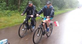 Rajd rowerowy w strugach deszczu