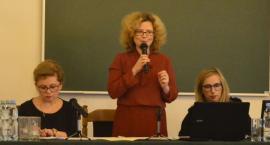 """""""Zewnętrzne wsparcie szkół w realizacji doradztwa edukacyjno-zawodowego"""" - konferencja w AH"""