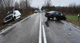 Czołowe zderzenie w Płocochowie – komunikat Policji