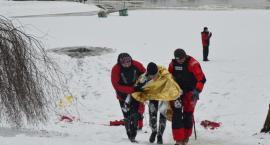 Pokaz ratownictwa na lodzie