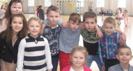 Choinka w Szkole Podstawowej z Oddziałami Integracyjnymi w Dzierżeninie
