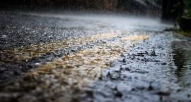Silny deszcz i burze – synoptycy ostrzegają