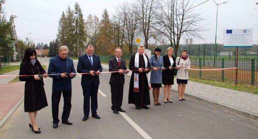 Interwencje Powiat, Maciejowice Oddano inwestycje - zdjęcie, fotografia