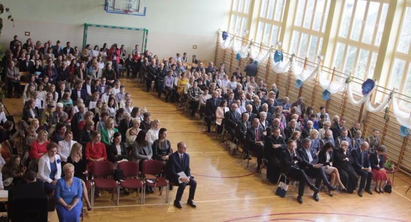 Archiwum Aktualności, Szkoła Głoskowie świętowała lecie istnienia! - zdjęcie, fotografia