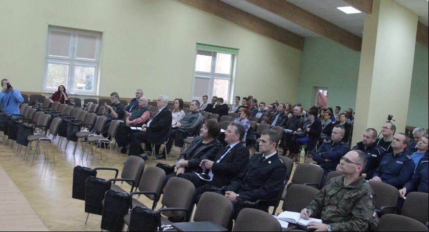 Inne Powiat, Debatowali bezpieczeństwie powiecie Problemów mniej - zdjęcie, fotografia