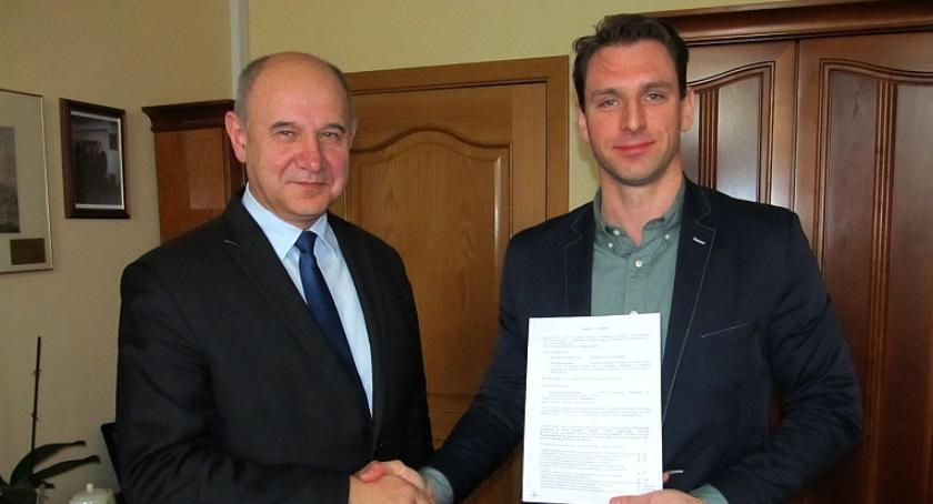 Inwestycje Powiat, Budimex wyremontuje odcinek drogi Samorządki Żelechów - zdjęcie, fotografia