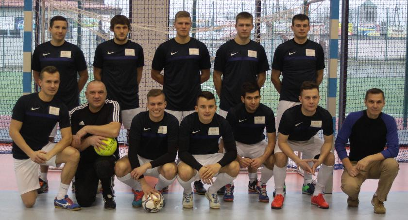 Piłka nożna, ZELLER ZDROWIE GARWOLIN wygrywa Halowym Pucharze Polski - zdjęcie, fotografia