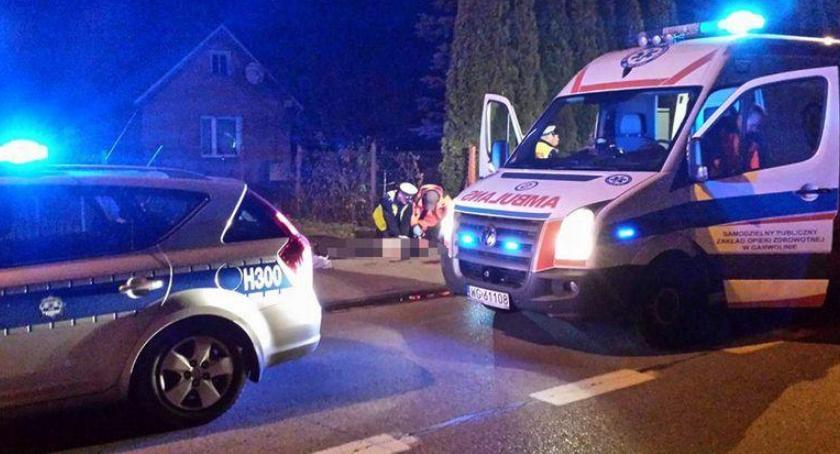 Wypadki drogowe , Wypadek Damianowie Przejechała pijanego mężczyznę - zdjęcie, fotografia