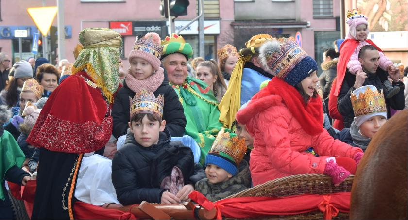 Uroczystości Miejskie, Orszak Trzech Króli przeszedł ulicami Garwolina - zdjęcie, fotografia