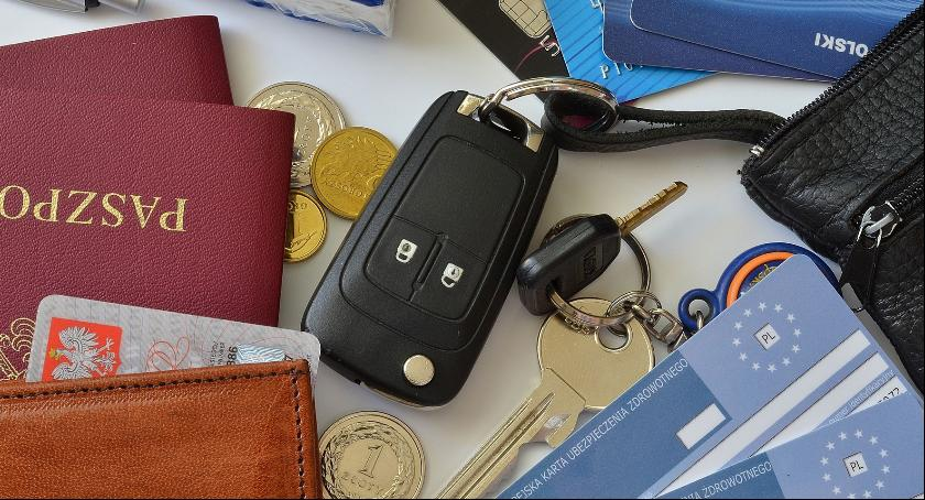 Komunikaty policji , Utraciłeś dokumenty Zastrzeż banku! - zdjęcie, fotografia