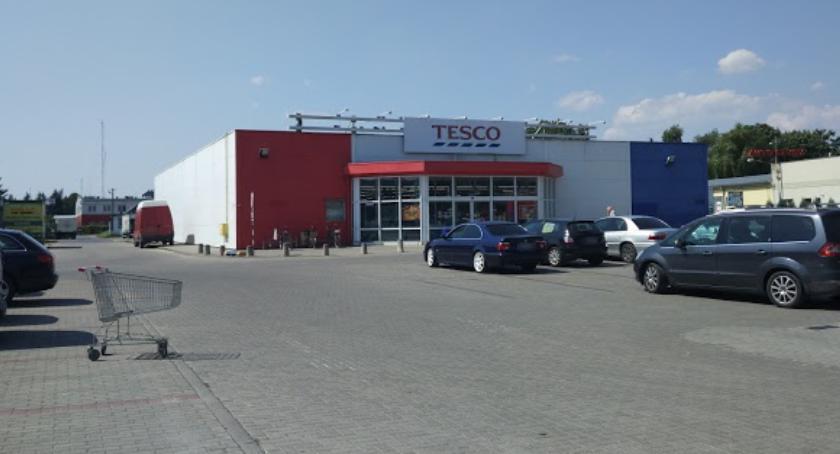 Inne Miejskie, Garwolin Tesco Targowa przynosi straty Firma zamyka sklep - zdjęcie, fotografia