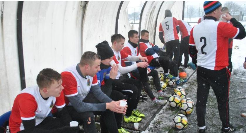 Piłka nożna, Czwarta zimowa porażka - zdjęcie, fotografia