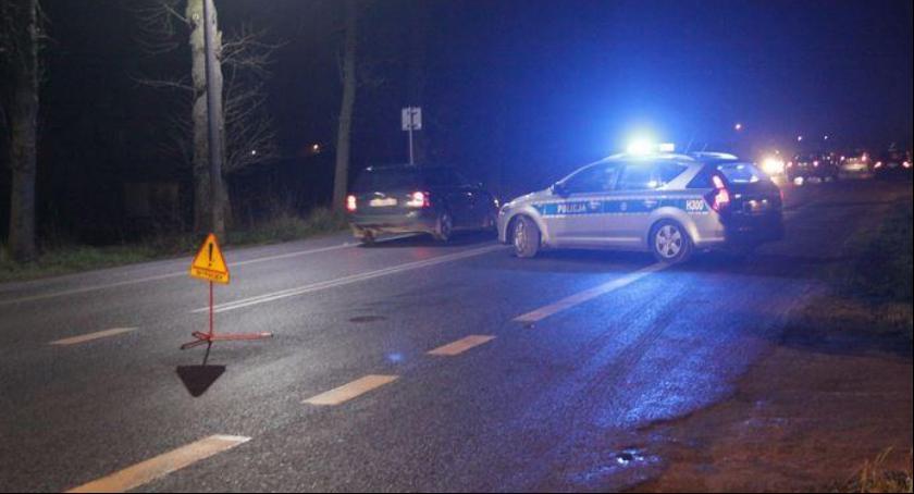 Wypadki drogowe , Wypadek Garwolinie pijanego sprawcę zatrzymał policjant służbie - zdjęcie, fotografia