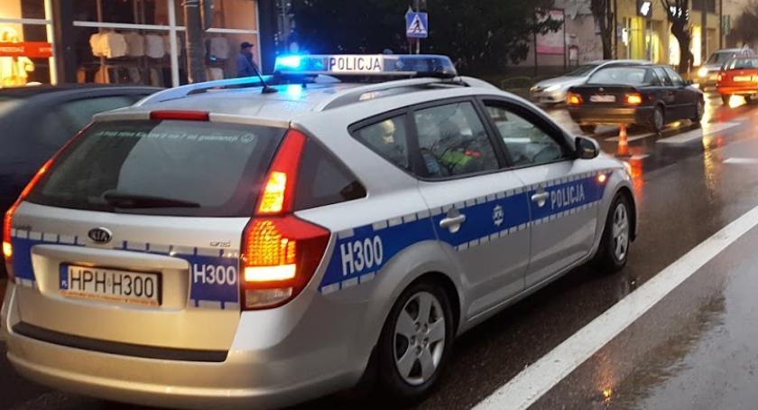 Sprawy kryminalne , Ukradł samochód uciekał przed policją pijany złodziej zatrzymany - zdjęcie, fotografia