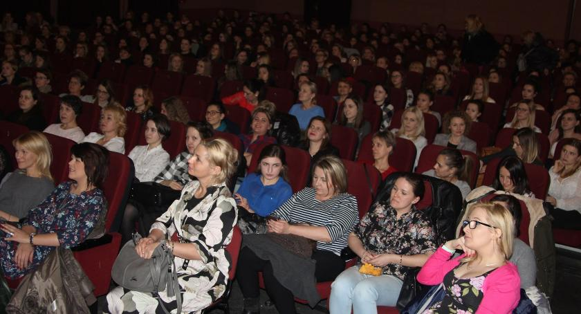 Kino - Film, Garwolin Dzień Kobiet szpilkach kinie Wilga - zdjęcie, fotografia