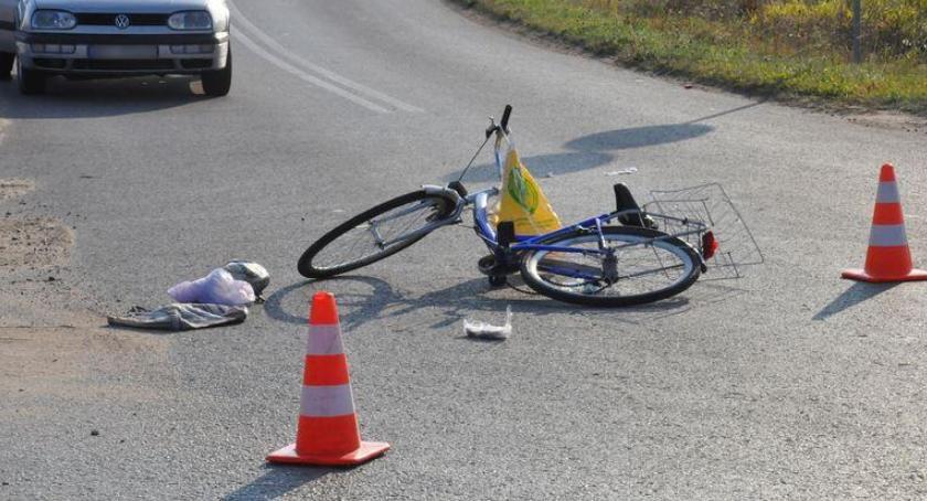 Wypadki drogowe , Wypadek Garwolin Motocyklista potrącił pasach pijaną kobietę - zdjęcie, fotografia