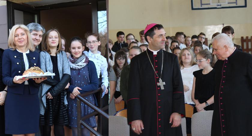 Inne Miejskie, Garwolin Biskup Piotr Sawczuk odwiedził Jedynkę - zdjęcie, fotografia