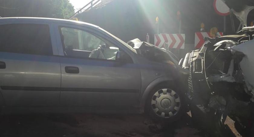 Wypadki drogowe , Czołowe zderzenie wiaduktem Sprawca pijany - zdjęcie, fotografia