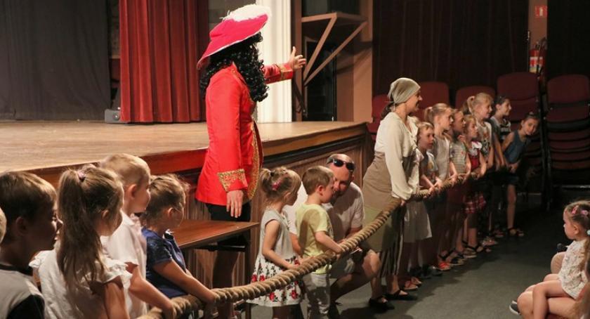Teatr, Morskie Opowieści zakończenie cyklu Artystycznych poranków - zdjęcie, fotografia